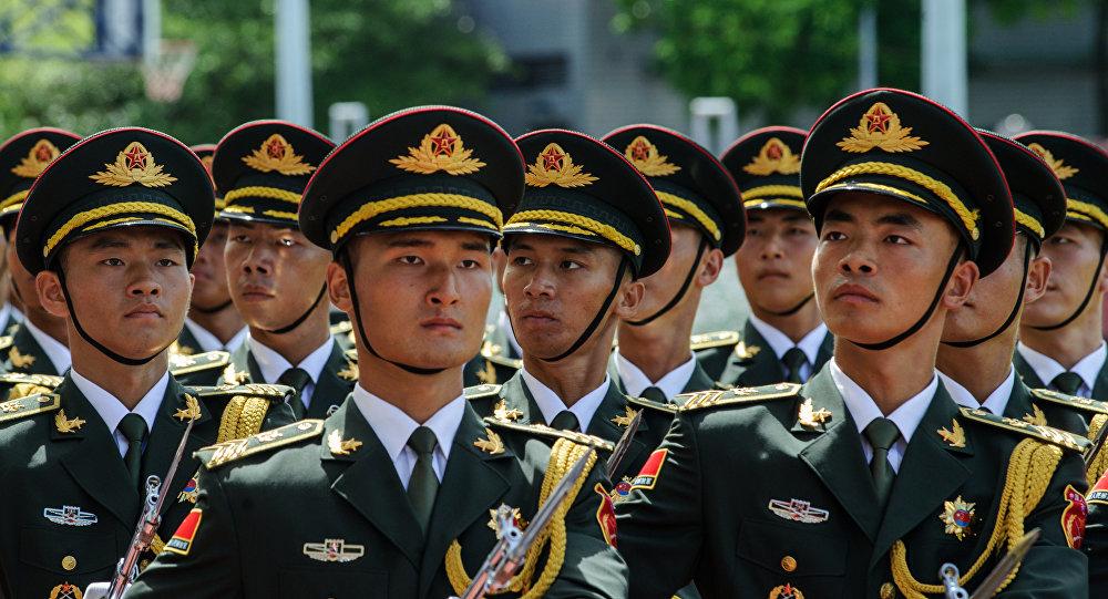 中国在复杂国际形势下庆