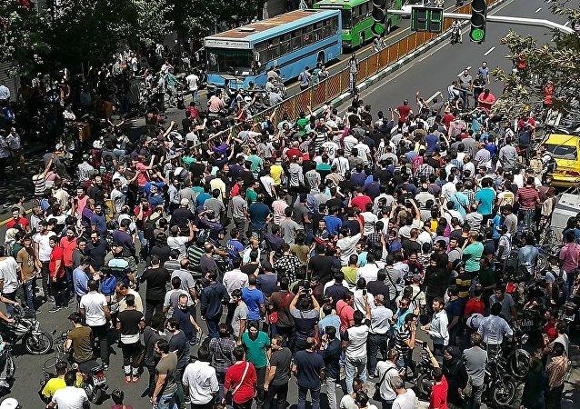 伊朗近百地爆發示威抗議