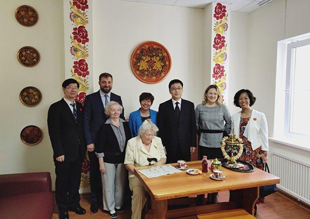 中国社会部门代表在莫斯科31号劳动老兵寄宿公寓