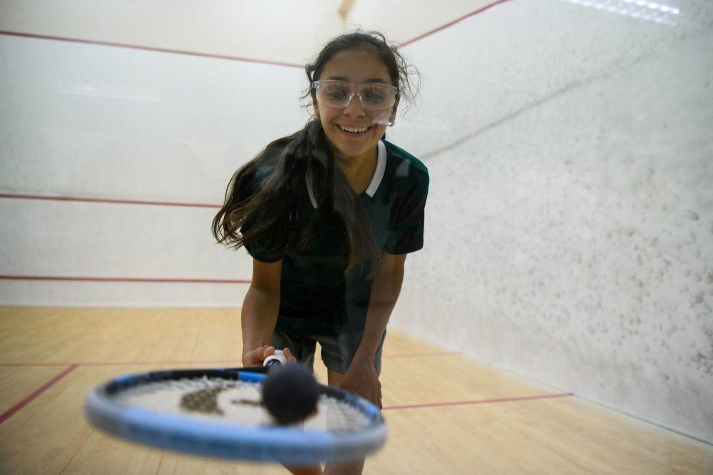 敘利亞的孩子們在香港青少年壁球比賽中