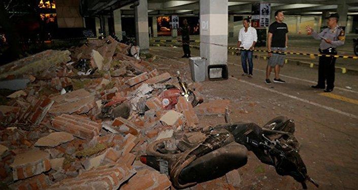 媒体:印尼地震遇难人数升至131人