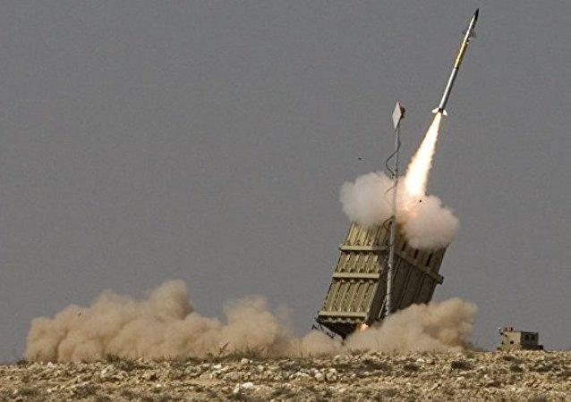 加沙地带向以境内发射8枚火箭弹 2枚被拦截