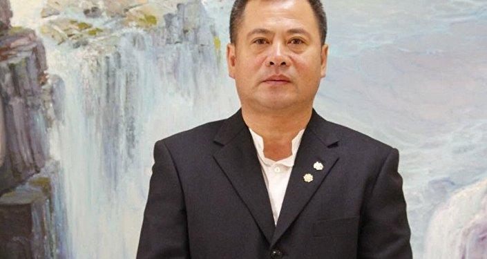 「俄羅斯藝術展覽館」的主人,俄羅斯藝術品收藏家劉明秀