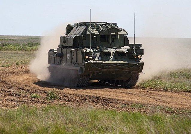 """俄国防出口公司向国际市场推出""""道尔-E2""""防空导弹系统"""