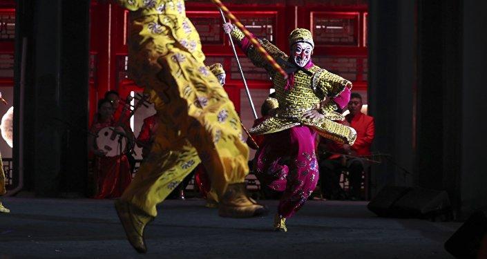 俄中民眾在哈爾濱之夏音樂會框架內開展歌舞比賽