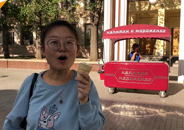 俄罗斯医学专家警告热天吃冰淇淋的危险