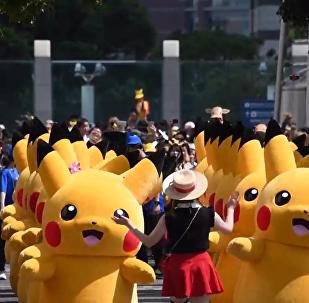 横滨举行一年一度的神奇宝贝游行