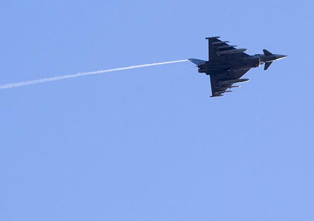 西班牙空军一架欧洲台风战斗机(Eurofighter Typhoon 2000)