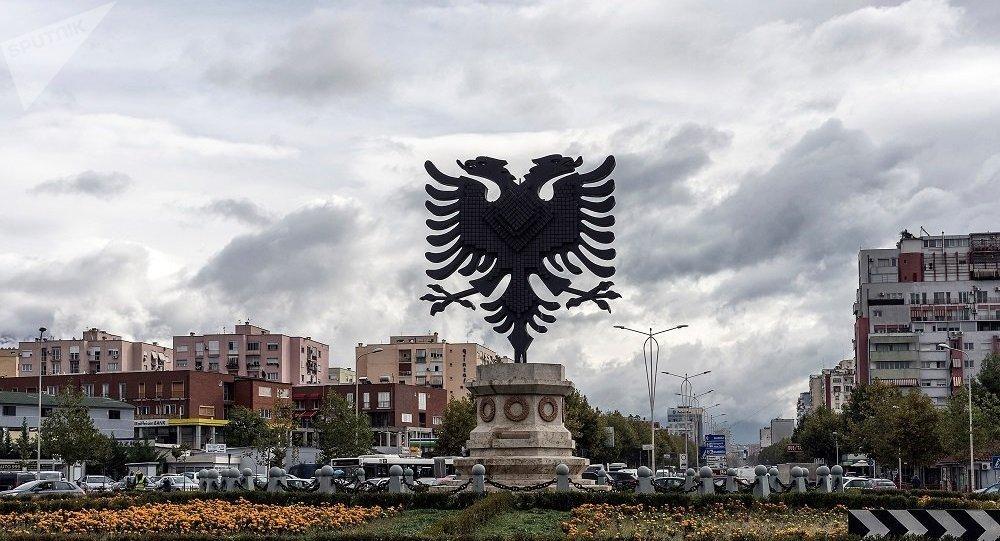 一名阿尔巴尼亚人杀死8名家人并在脸书回应网民批评