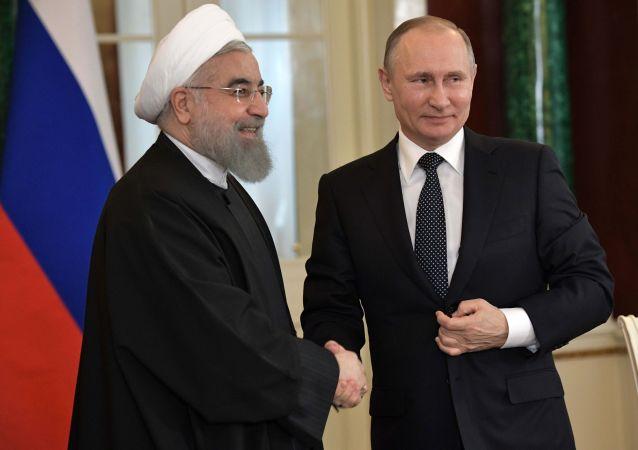 伊朗總統:俄伊關係逐年積極發展