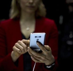 中国智能手机成为今年俄罗斯最流行的技术新品