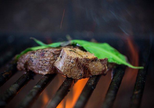 科學家稱燒烤對身體的傷害不亞於香煙
