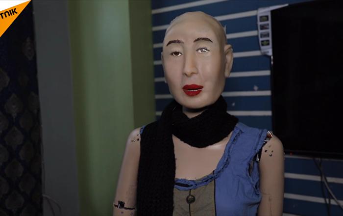 首款講印地語的人形機器人面世