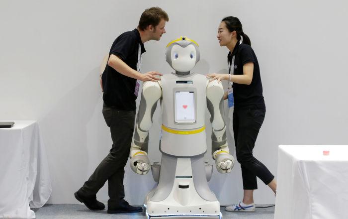 从机器鱼到仿生狐蝠:世界机器人大会