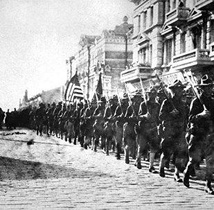 俄使馆发帖提醒美国武装干涉100周年