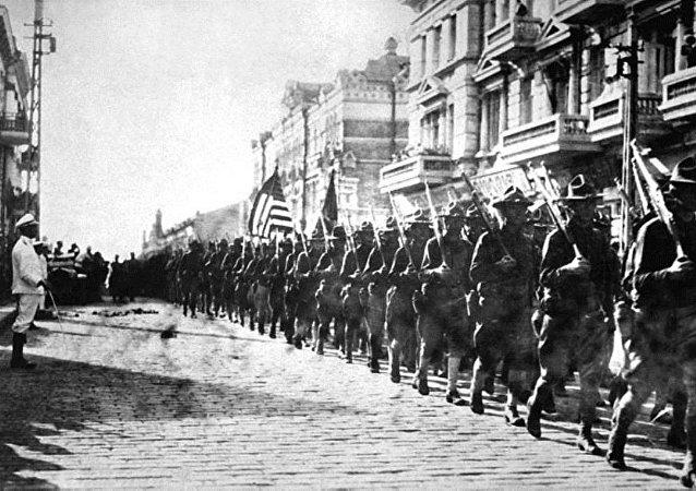 俄使館發帖提醒美國武裝干涉100週年