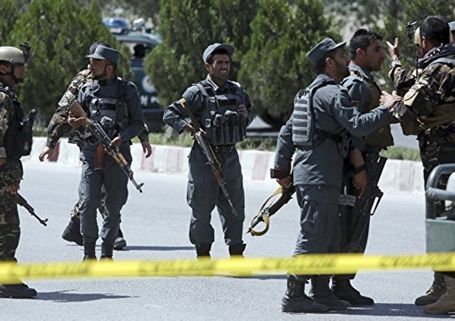 不明人员袭击喀布尔阿国民军训练中心