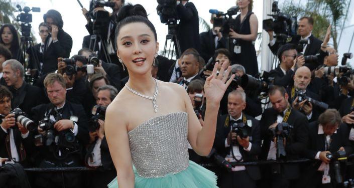 中国影视剧明星大腕被勒令谦逊低调点儿