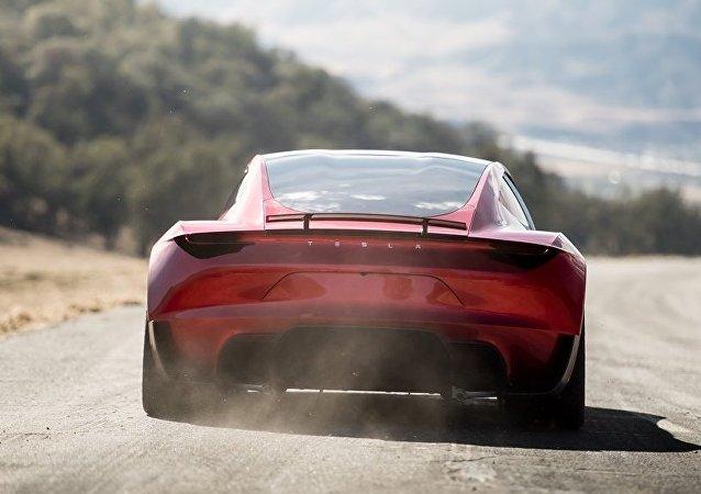 特斯拉因安全氣囊召回1.4萬余輛汽車