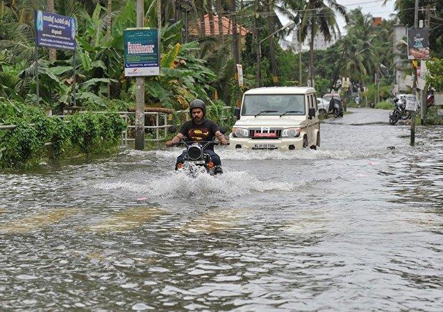 印度喀拉拉邦8月8日以來320多人死於暴雨