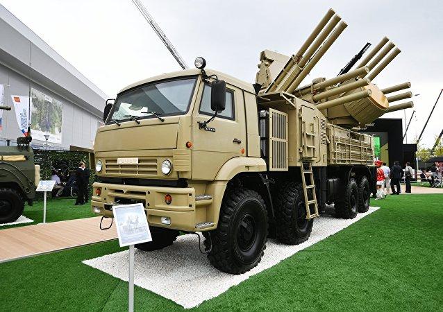 「鎧甲-S1」彈炮合一防空系統