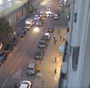 实拍莫斯科8车连撞