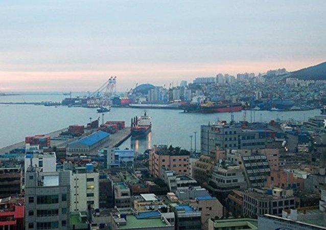 5名被扣韩国釜山的俄船只船员要求返回俄罗斯