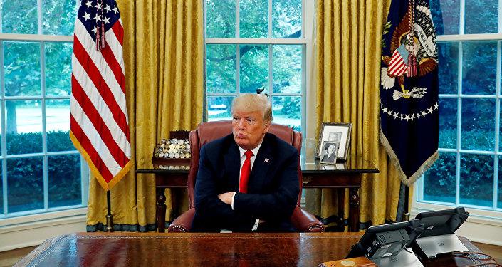 白宮稱,特朗普簽署了因涉及烏克蘭局勢而制裁俄羅斯的命令