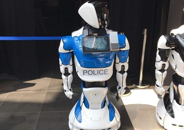PromoBot公司新品:警用机器人