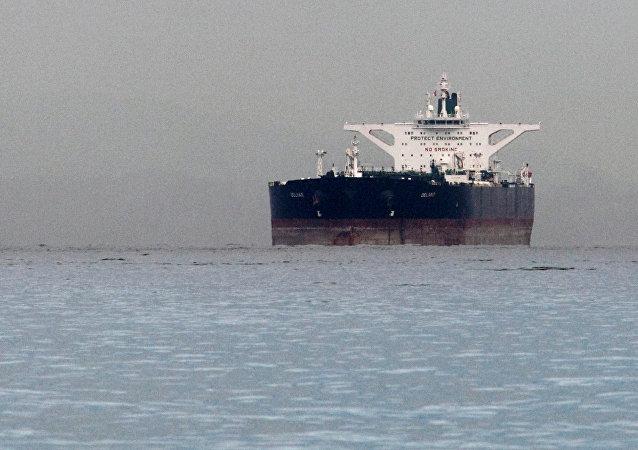 印度希望就继续进口伊朗石油问题与美国达成协议