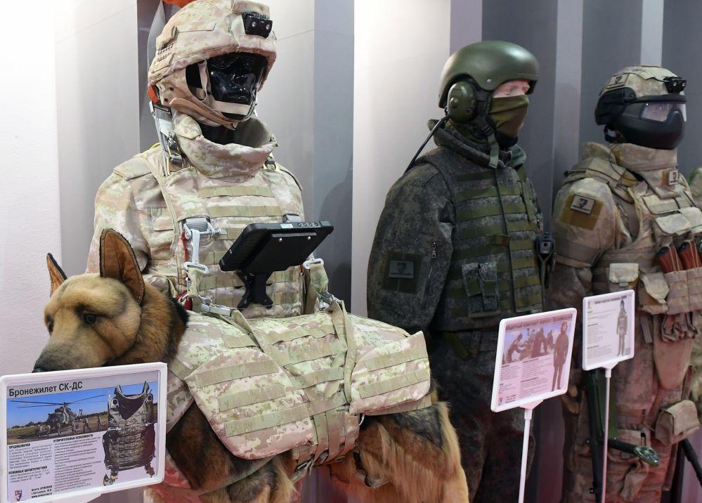 俄罗斯军队-明天展会上的SK-DS型防弹衣