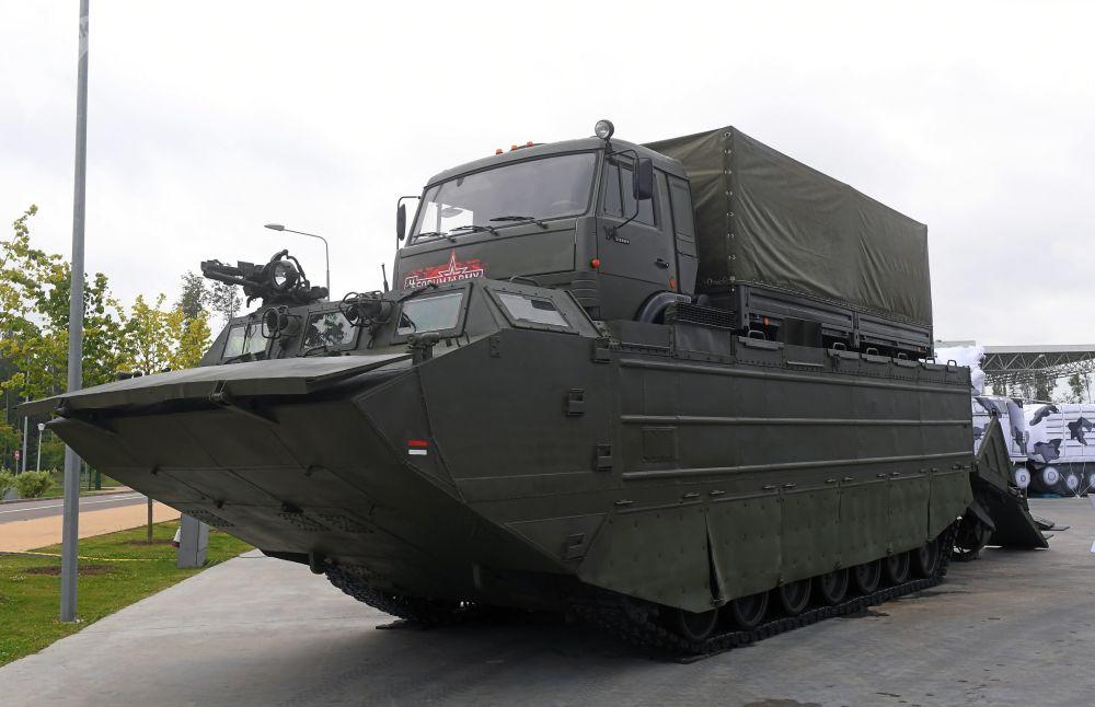 PTS-4  两栖运输车
