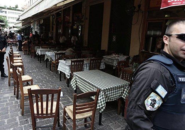 希腊比雷埃夫斯的律师事务所附近发生爆炸