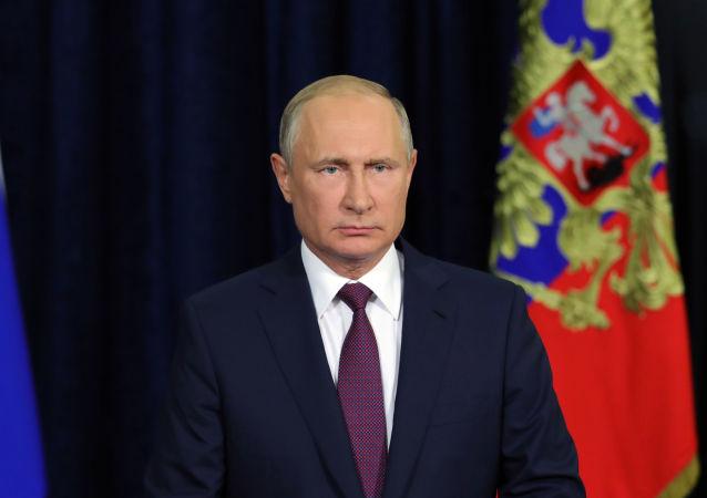普京抵达阿塞拜疆进行短暂工作访问