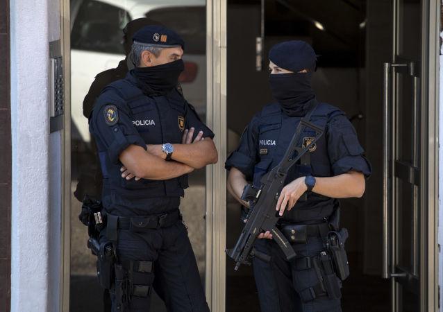 西班牙國民警衛隊7名憲兵在西摩邊界移民衝突中受傷