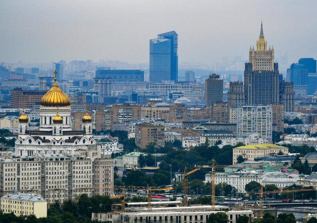 俄外交部:莫斯科要求美国撤销针对俄公民布京娜的政治动机案件
