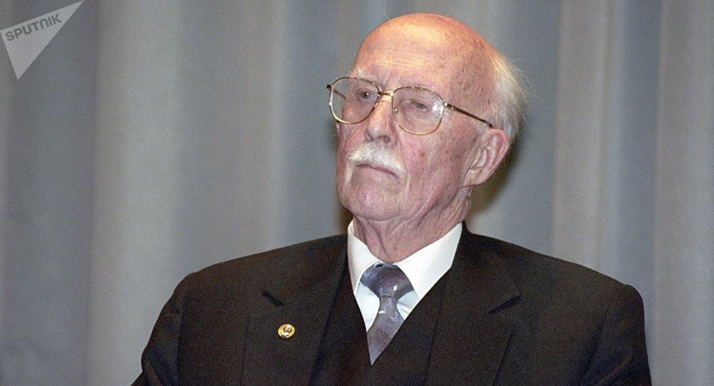 谢尔盖·齐赫文斯基院士