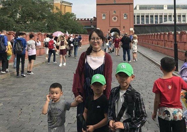 趙女士和她的三個兒子