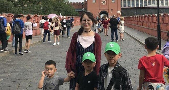 赵女士和她的三个儿子