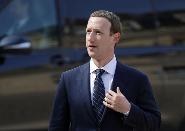脸书公司董事长扎克伯格