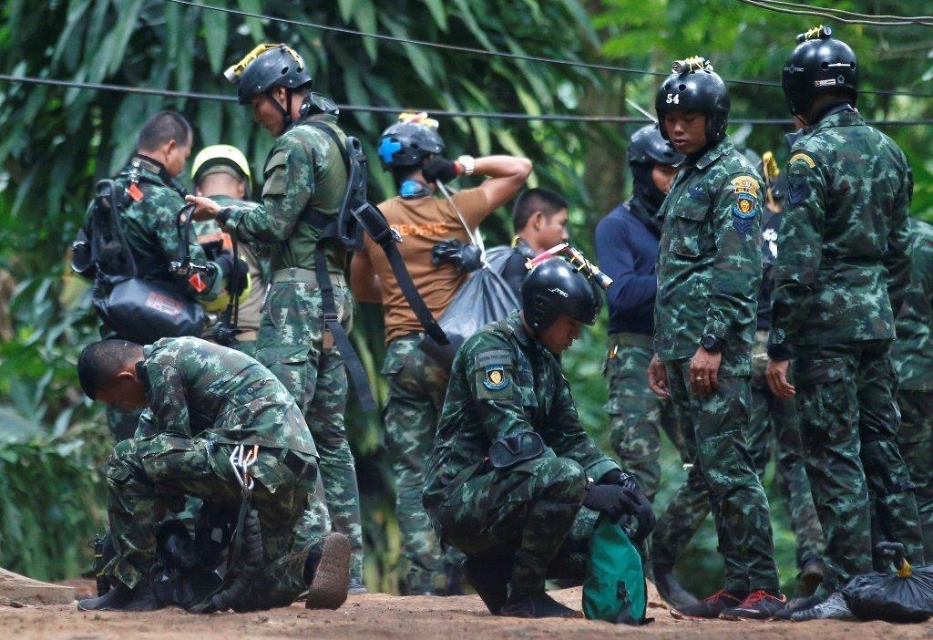 泰國洞穴國際救援里的中國志願者