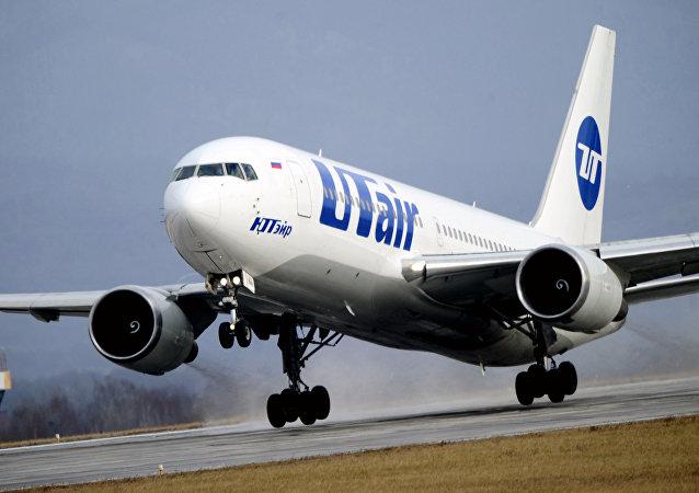 索契机场一架飞机起火救援期间一名地勤人员死亡