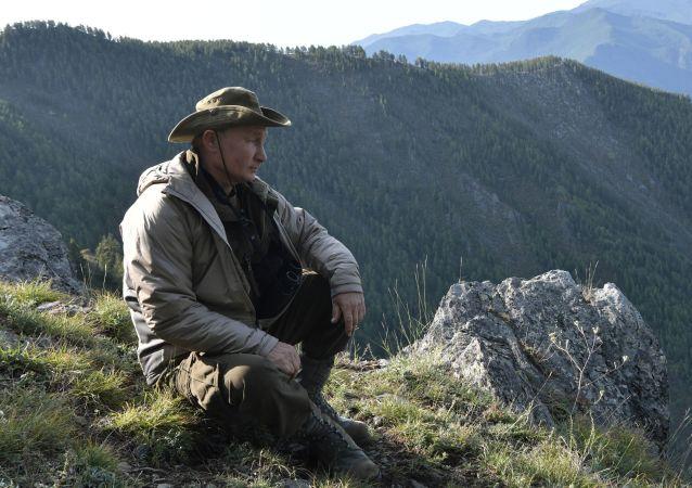 佩斯科夫介紹普京在野外休假的安保工作