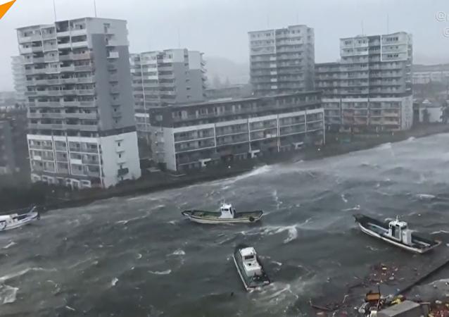 日本遭遇近年最强台风