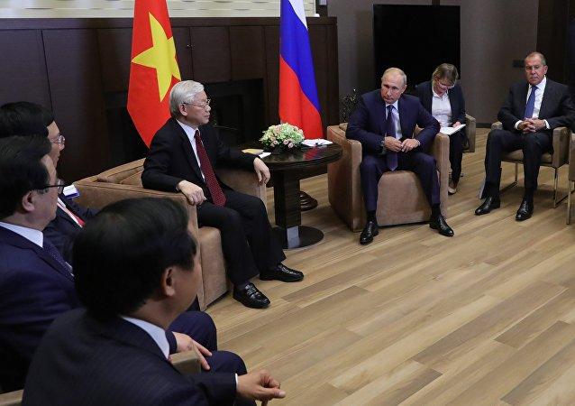 普京:俄越两国正在加强经济和军事技术领域的合作