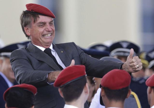 雅伊尔·博尔索纳罗