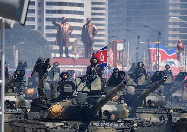 媒体:朝鲜建国70周年阅兵未展示洲际弹道导弹