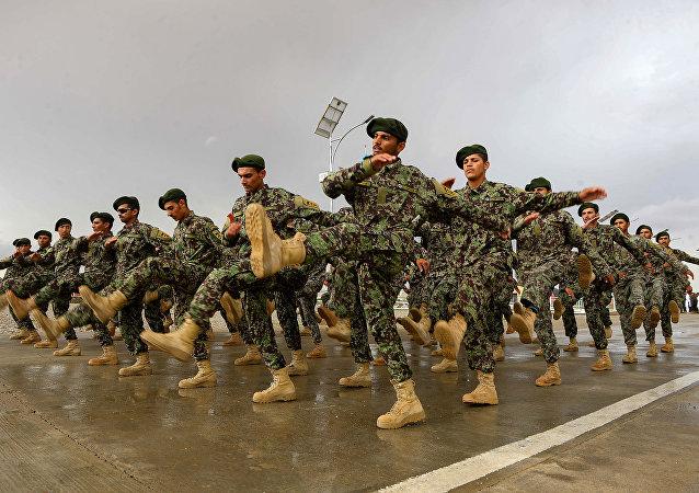 中国将为阿富汗培训军人