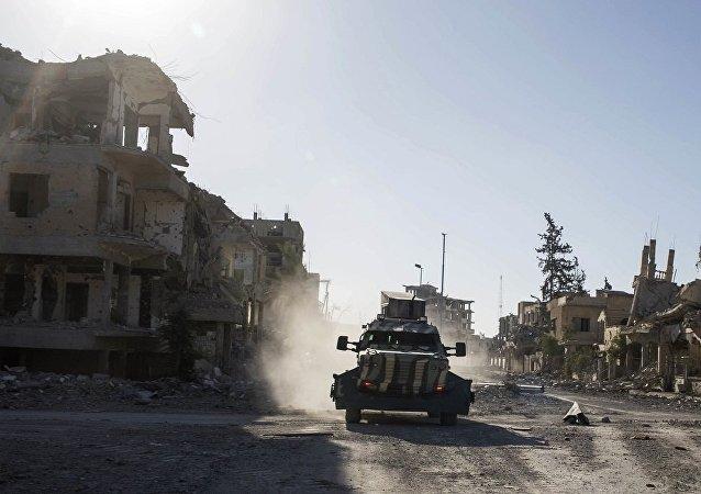 叙民主力量开始进攻叙东北部IS残余势力