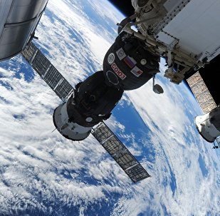 "К俄航天集团:""联盟""号上的窟窿不会影响飞船返回地球"